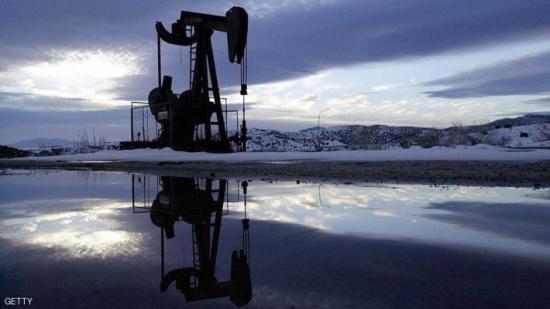 النفط يهبط مجددا بعد توقعات وكالة الطاقة الدولية
