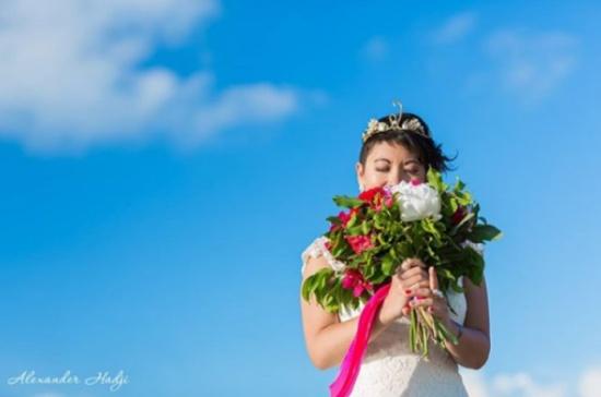 ليتيسيا.. فتاة فرنسية تزوجت دون عريس!