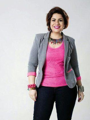بعد استعادة رشاقتها... فنانة مصرية تثير الجدل بصورتها الجديدة