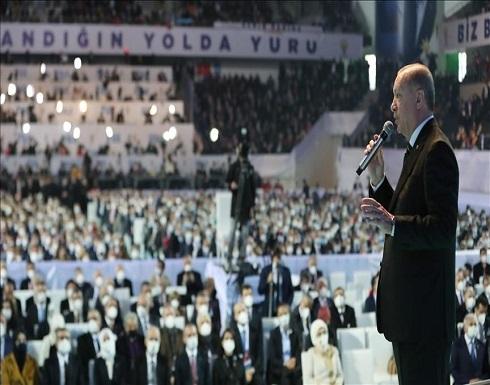 """""""العدالة والتنمية"""" يجدد الثقة بأردوغان رئيسا للحزب"""