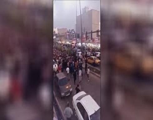 شاهد : متظاهرون إيرانيون في مدينة إيذج يطلقون شعار الموت لخامنئي