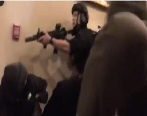 الشرطة الأمريكية تعلن مصادرة أكثر من 5 قطع سلاح وتوقيف 13 شخصا
