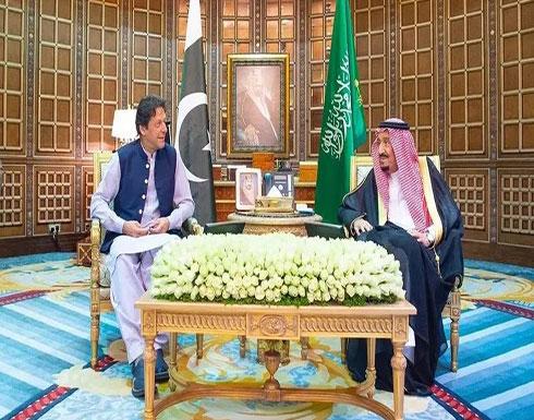 الملك سلمان يبحث مع رئيس وزراء باكستان الأوضاع الإقليمية