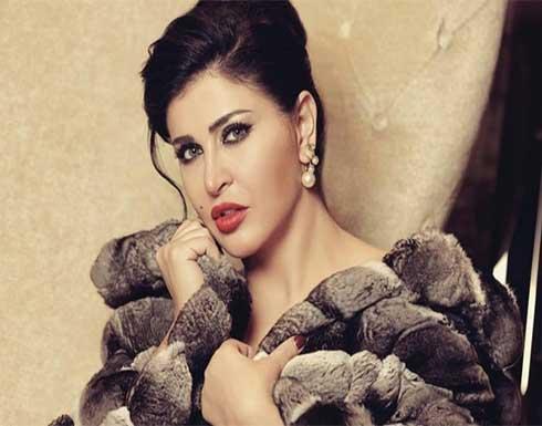 بأول ظهور لها منذ وفاة ابنتها.. انهيار جومانا مراد في برنامج تلفزيوني (فيديو)