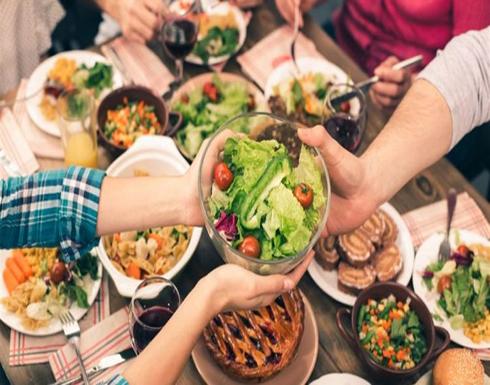 لتفادي السمنة الزائدة … شروط يجب توافرها في العشاء منها الوجبات الخفيفة