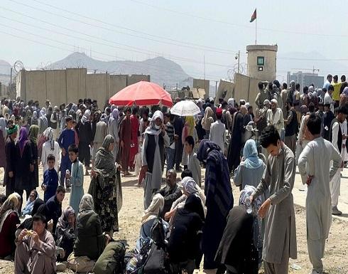 """مسؤول في """"الناتو"""": 17 مصابا جراء تدافع عند أبواب مطار كابل"""
