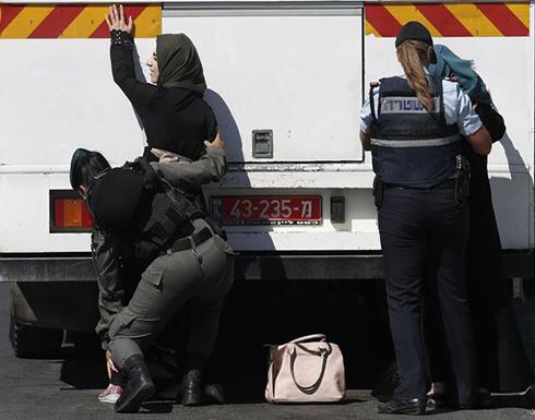 قوات الإحتلال ترحل مئات الفلسطينيين من القدس إلى الضفة