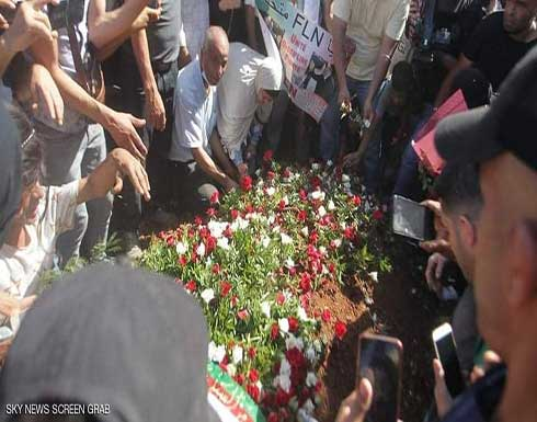 شاهد : بوتفليقة إلى مثواه الأخير وتبون يتقدم الجنازة