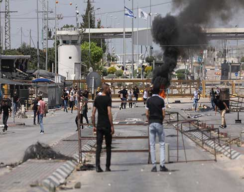 اندلاع اشتباكات مسلحة بين فلسطينيين وجيش الإحتلال .. بالفيديو