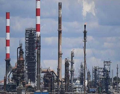 """وكالة الطاقة ترجح """"استنفادا كاملا"""" لاحتياطي إنتاج النفط"""