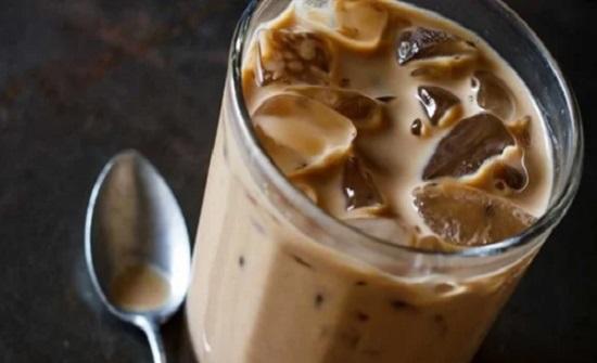 بدل القهوة الساخنة.. طريقة تحضير كافيه لاتيه مثلج