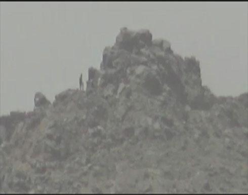 فيديو :  لحظة فرار العناصر الحوثية أمام الجيش اليمني