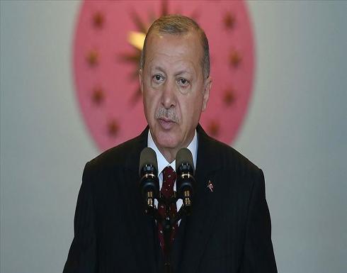 """أردوغان يقاضي اليميني الهولندي المتطرف """"فيلدرز"""" للإساءة بحقه"""