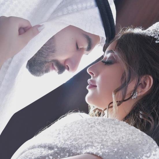 شاهد.. الصور الأولى من شهر عسل عقيل الرئيسي وفرح الهادي