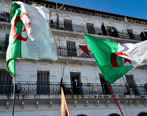 نحو مليون جزائري في الخارج يقترعون في الانتخابات الرئاسية