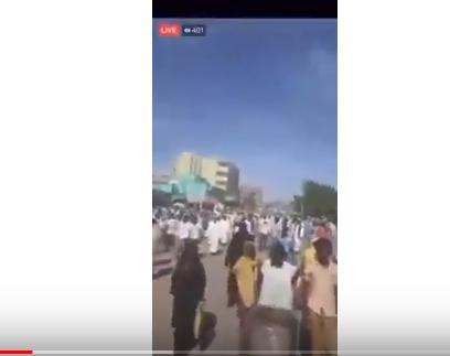 شاهد .. مظاهرات حاشدة في القضارف السودانية