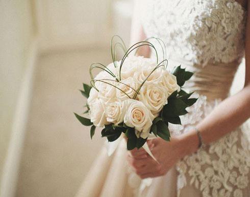 حضرت حفل زفاف زوجها.. وما فعلته مع عروسته الجديدة كان مفاجئاً