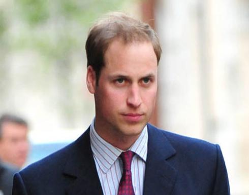 """الصحافة تكشف عن ماضي الأمير وليام.. """"زير النساء"""""""