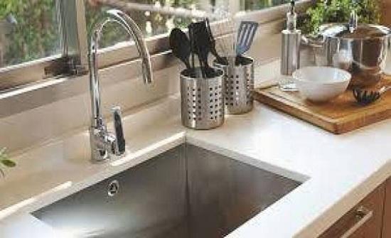 كيف تنظّفين حنفية الماء؟