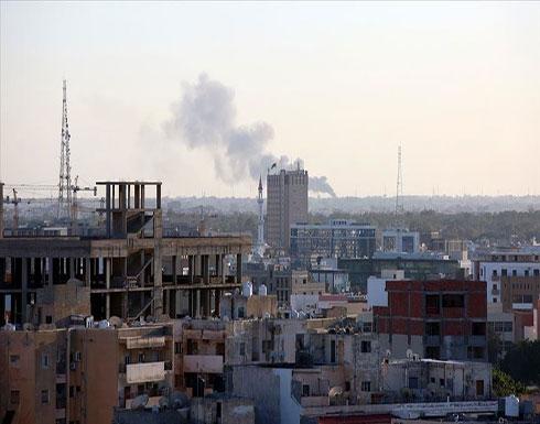 مقتل 3 مدنيين وإصابة 5 في قصف حفتر لميناء طرابلس