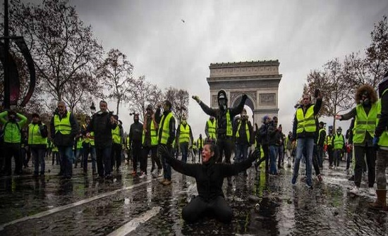 """ماذا تقترح المعارضة الفرنسية لإخماد ثورة """"السترات الصفراء""""؟"""