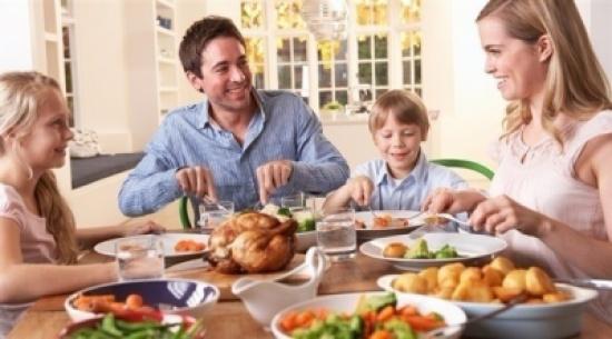 دراسة: الأكل ببطء يساعد على خسارة الوزن