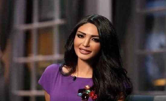 سالي عبدالسلام بنوبة بكاء هستيرية على الهواء بسبب ما فعله خطيبها معها