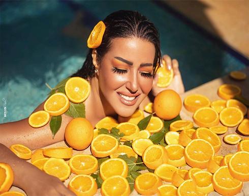 """سمية الخشاب تكشف سبب استعانتها ب """" البرتقال """" في أحدث جلسة تصوير لها"""