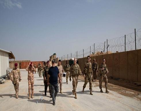 شاهد : القوات الأمريكية تنسحب من قاعدة استراتيجية على حدود العراق مع سوريا