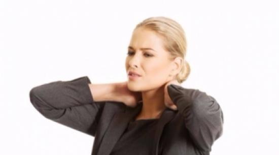 هل تعاني من آلام الرقبة؟ .. إليك بعض النصائح المفيدة