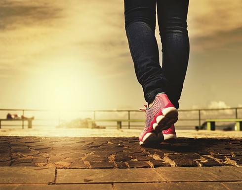 المشي يساعد على إنقاص الوزن أكثر من الجري.. لماذا؟