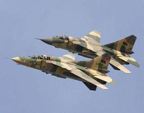 طائرات حربية تقصف حقل الفيل النفطي في جنوب ليبيا