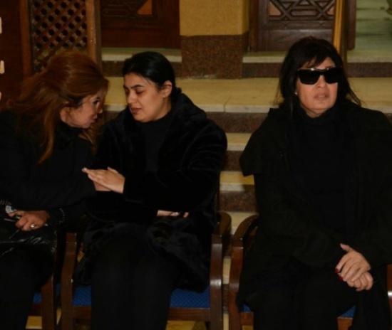 نجمات الفن بدون ماكياج في عزاء زوج ابنة فيفي عبده