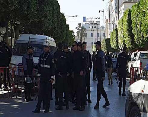 """الأمن التونسي يخلي مقر """"هيئة مكافحة الفساد"""""""