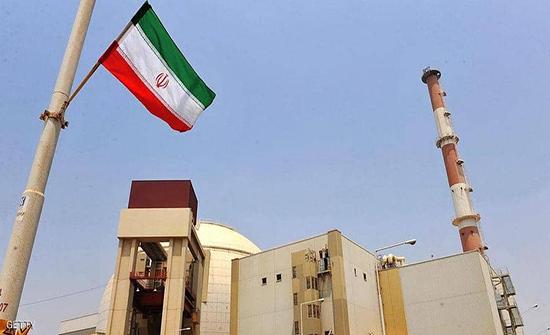 """مفتشون يعثرون على """"مواد مشعة"""" في موقعين إيرانيين"""