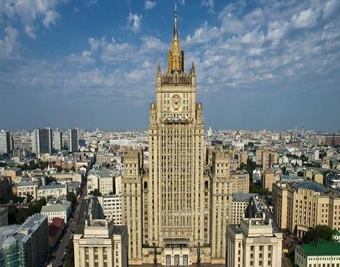 موسكو تستدعي السفير الأمريكي لديها إلى مكتب مساعد الرئيس الروسي