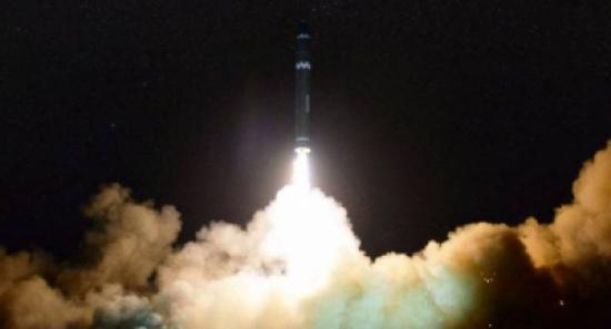 """تحديد موعد الرحلة الأولى لأحدث صاروخ حامل """"فالكون الثقيل"""""""