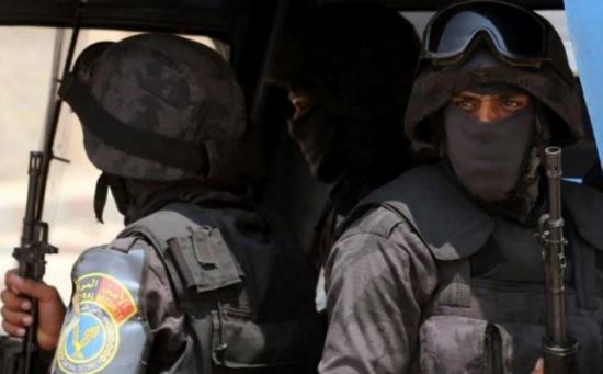 مقتل وإصابة خمسة شرطيين بانفجار عبوة بالقاهرة