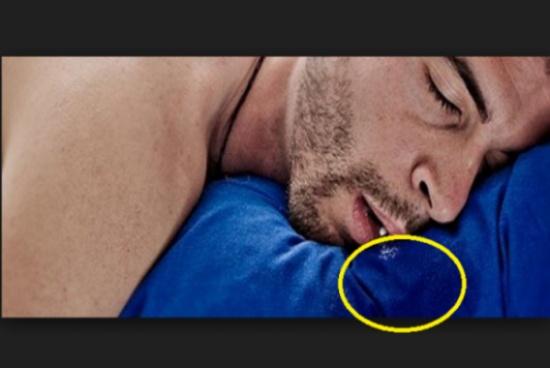 ما هو السبب الذي يجعلك تستيقظ وتجد وسادتك مبلّلة باللّعاب؟