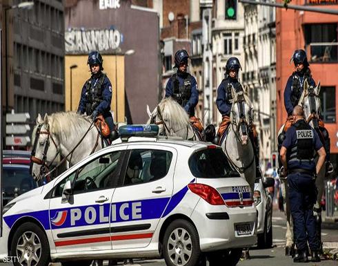 فرنسا.. رجل يعتدى على سيدتين بفأس