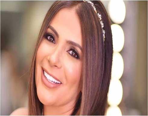 بالفيديو : منى زكي ترمق أحمد حلمي بنظرة شر وتحمل سكينا.. والأخير يعلق