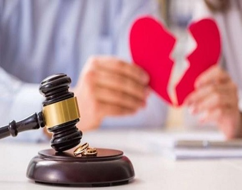 """الهند يحظر """"الطلاق بالثلاثة"""" ويعتبره جريمة"""