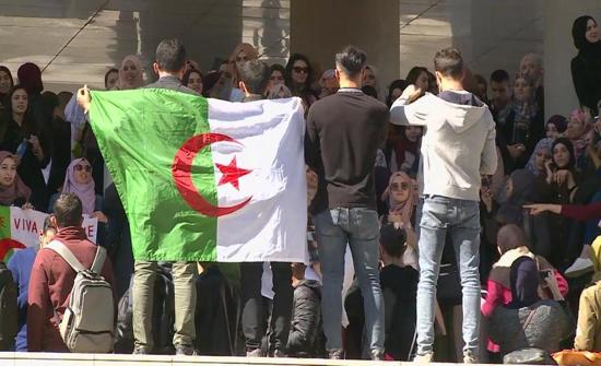 تظاهرات جديدة للطلاب وسط العاصمة رافضة لترشح بوتفليقة