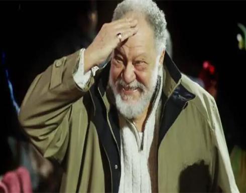 بالفيديو : الفنان يحيى الفخراني يؤدي اليمين الدستورية نائبًا لمجلس الشيوخ المصري