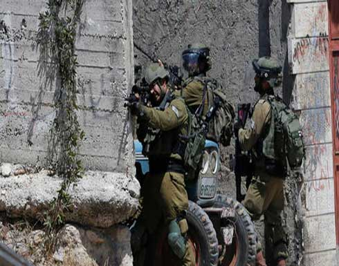 شاهد : إطلاق جيش الإحتلال النار على سيارة فلسطينية ومقتل طفل بداخلها