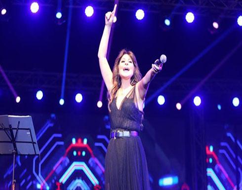 بالفيديو : إليسا تتألق في حفل جامعة الدلتا بحضور الآلاف