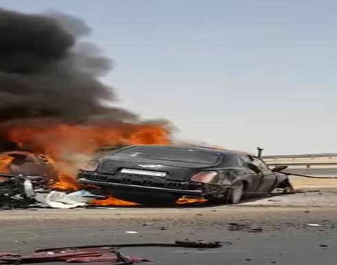 بالفيديو....اشتعال سيارة بحادث مروري على الطريق السريع في الرياض