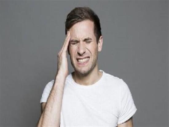 """7 اختلافات تميز الصداع النصفي عن """"العادي"""""""