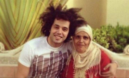 اصابت الفنان عبد الفتاح الجريني بصدمة بعد وفاة والدته