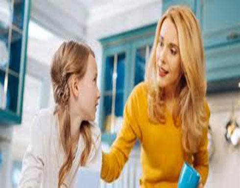 طفلك لا يتجاوب معكِ.. إليكِ 5 طرق لتعليمه الإنصات لحديثكِ